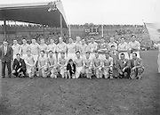 Neg No:.A831/49906-05006...28091958AISFCF.28.09.1958, 09.28.1958, 28th September 1958.All Ireland Senior Football Championship - Final...Dublin.02-12.Derry.01-09...Dublin. ..P. O'Flaherty, L. Foley, M. Wilson, Joe Timmons, C. O'Leary, J. Crowley, J. Boyle, John Timmons, S. Murray, P. Haughey, O. Freaney, D. Ferguson, P. Farnan, J. Joyce, K. Heffernan (Captain).Subs: Maurice Whelon for Murray; P. Downey for John Timmons...