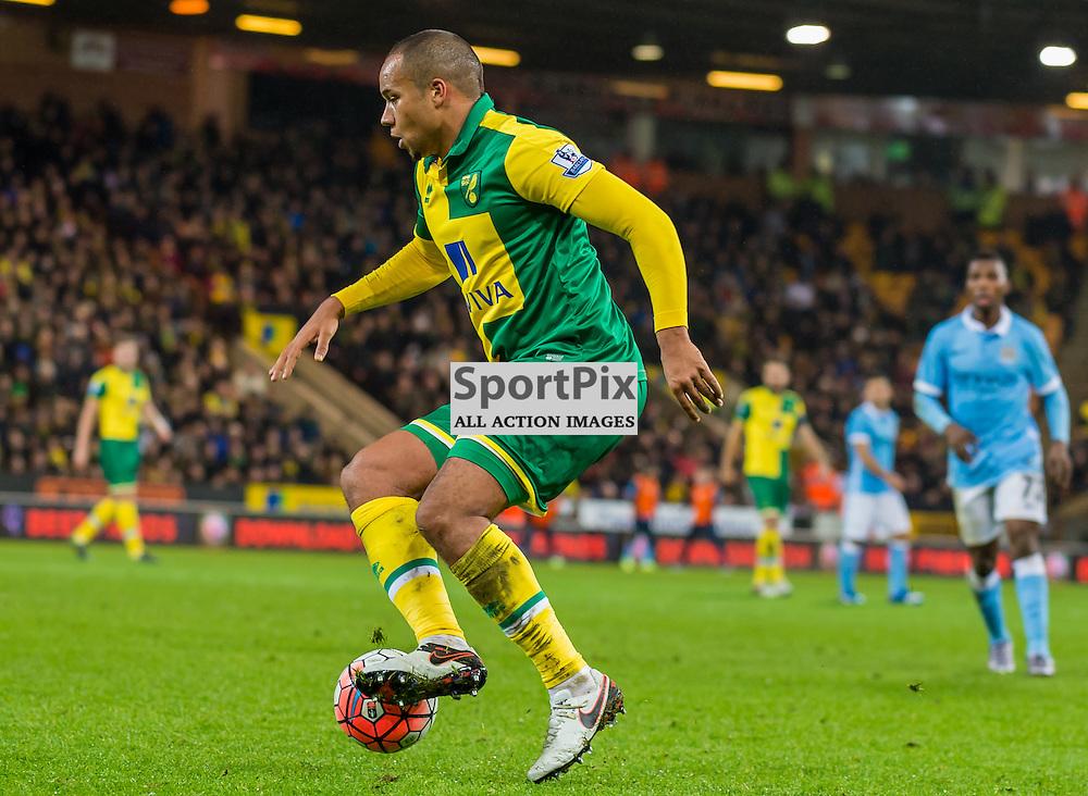 Norwich City midfielder Vadis Odjidja-Ofoe (32) controls the ball