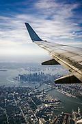 New York, New York, USA, 20040922:  Flyr forbi Manhattan på vei til LaGuardia flyplassen etter en tur til Des  Moines, Iowa. Foto: Ørjan F. Ellingvåg