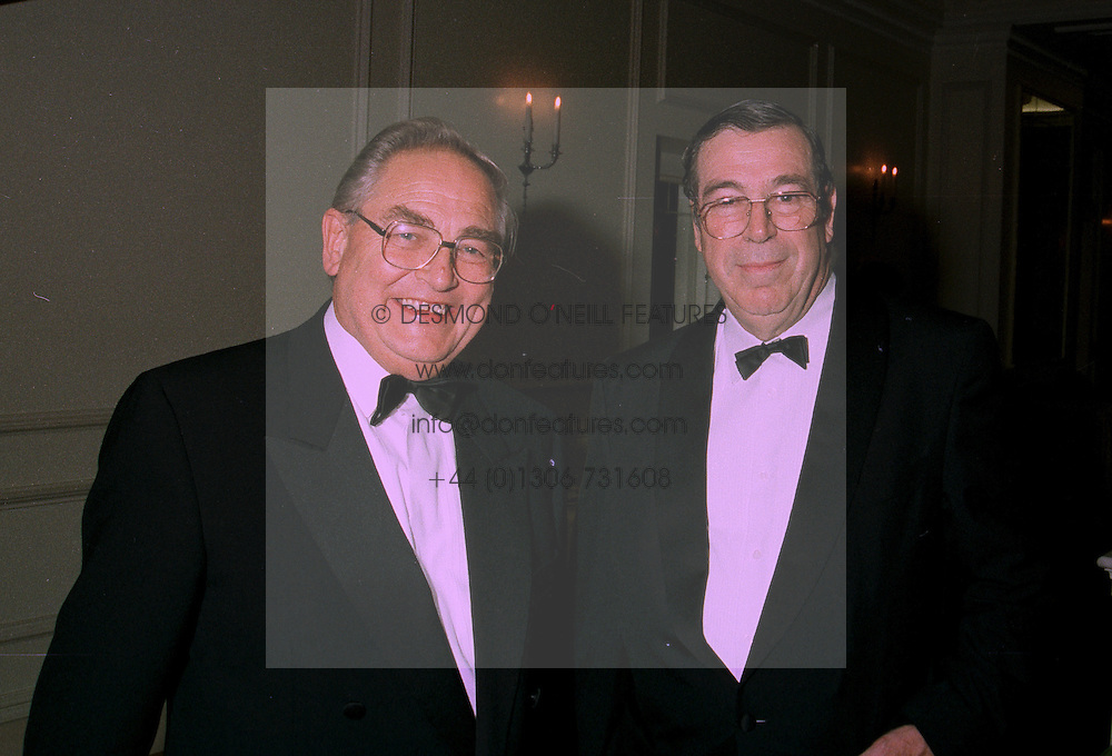 Left to right,  MR EDDIE GEORGE Governor of The Bank of England and DR CHRIS STALS Governor of the South African Reserve Bank, at a dinner in London on 10th July 1997.MAE 33
