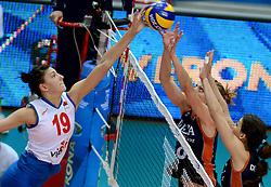 01-10-2014 ITA: World Championship Volleyball Servie - Nederland, Verona<br /> Nederland verliest met 3-0 van Servie en is kansloos voor plaatsing final 6 / Tijana Boskovic, Judith Pietersen, Robin de Kruijf