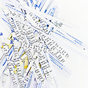 Nederland Rotterdam 10-08-2009 20090810 Foto: David Rozing ..Serie wet bescherming persoonsgegevens, digitale gegevens, gevoelige informatie, privacywetgeving, informatie.  Holland, The Netherlands, dutch, Pays Bas, Europe, persoonlijke gegevens, snippers, versnipperd, versnipperde gevoelige informatie, bankgegegevens, shredder, versnipperaar, financiele gegevens, betalingsgegevens, economische, economie, administratie, valuable, valuables, financiele, financien, recessie, recession, locking, lock, control,  kosten, credietcrisis, kredietcrisis, economische,financieen,betalingsverkeer,economie,economische,financiele verplichtingen, vertrouwelijk, vertrouwelijke..Foto: David Rozing