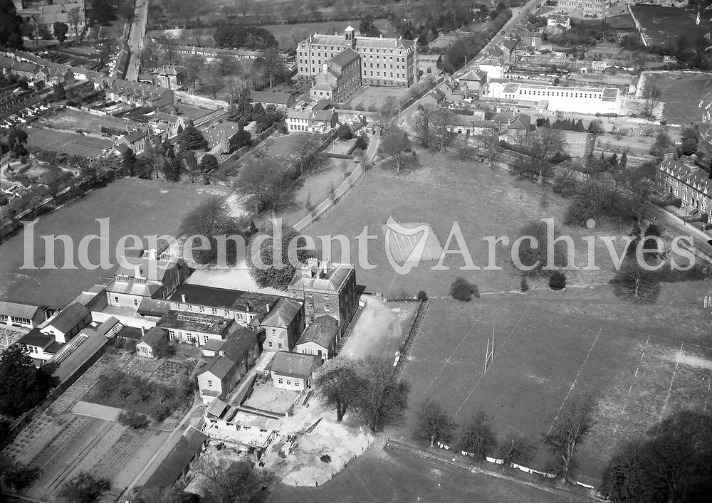 A147 De La Salle College, Waterford.   23/03/56. (Part of the Independent Newspapers Ireland/NLI collection.)<br />