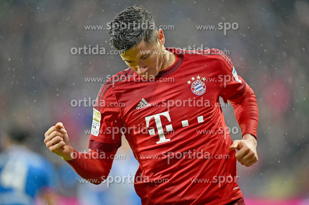 31.01.2016, Allianz Arena, Muenchen, GER, 1. FBL, FC Bayern Muenchen vs TSG 1899 Hoffenheim, 19. Runde, im Bild TOR zum 2:0 durch Robert Lewandowski FC Bayern Muenchen Torjubel // during the German Bundesliga 19th round match between FC Bayern Munich and TSG 1899 Hoffenheim at the Allianz Arena in Muenchen, Germany on 2016/01/31. EXPA Pictures &copy; 2016, PhotoCredit: EXPA/ Eibner-Pressefoto/ Weber<br /> <br /> *****ATTENTION - OUT of GER*****