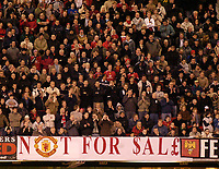 Fotball<br /> Foto: SBI/Digitalsport<br /> NORWAY ONLY<br /> <br /> Manchester United v Crystal Palace<br /> Coca-Cola Cup Fourth Round<br /> 10/11/2004<br /> <br /> Manchester United fans make clear their feelings regarding recent share-dealing in the club.