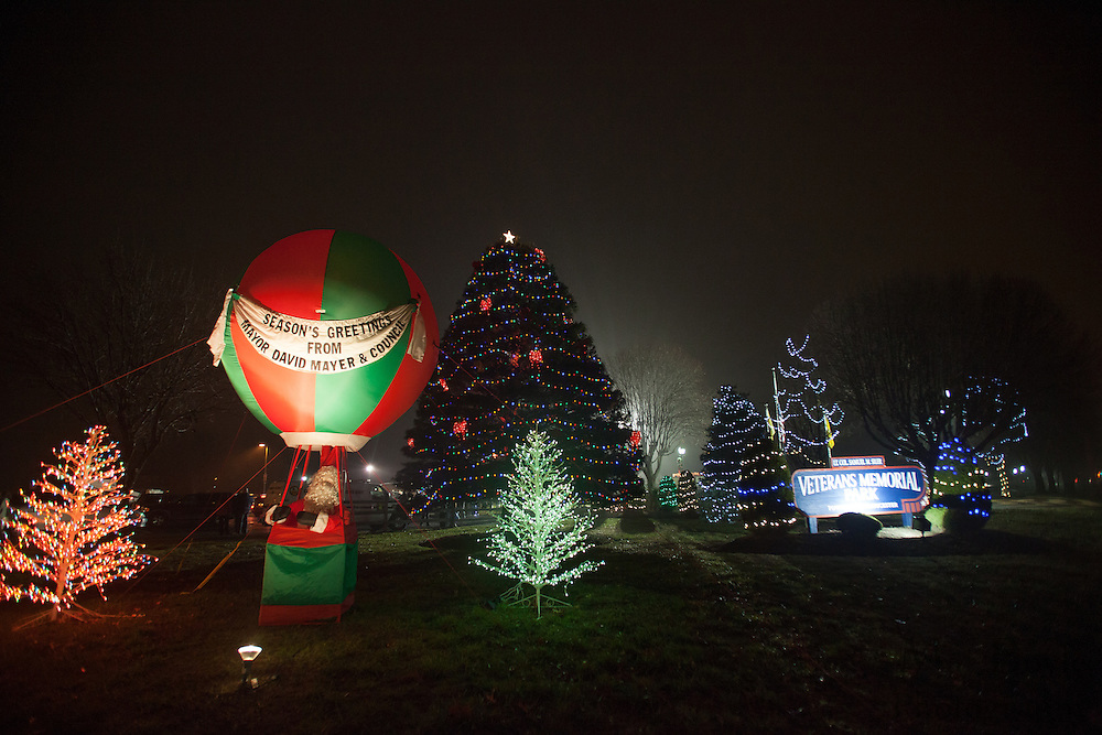 Gloucester Township Third Annual Tree Lighting  at Veterans Park in Gloucester Township, NJ on Sunday December 16, 2012. (photo / Mat Boyle)