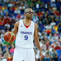 08 August 2012: France Tony Parker brings the ball upcourt during 66-59 Team Spain victory over Team France, during the men's basketball quarter-finals, at the 02 Arena, in London, Great Britain.