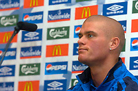 Photo: Glyn Thomas.<br />England Press Conference. 09/11/2005.<br />England's Paul Konchesky speaks to the press.