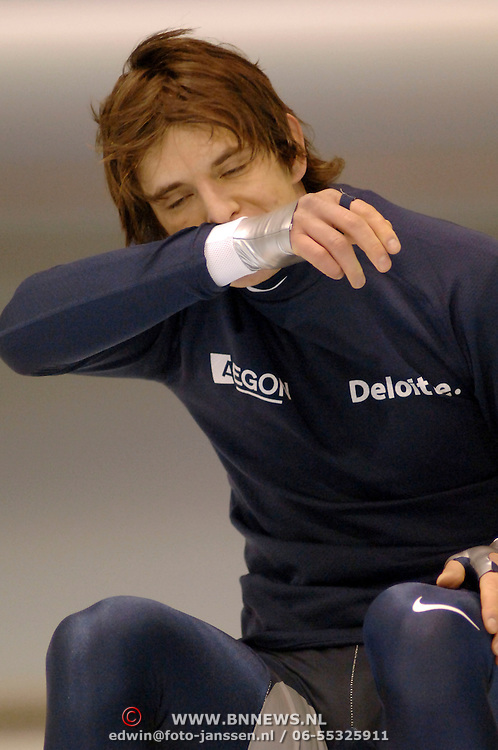 NLD/Heerenveen/20060121 - ISU WK Sprint 2006, Jan Bos bereid zich voor op zijn race