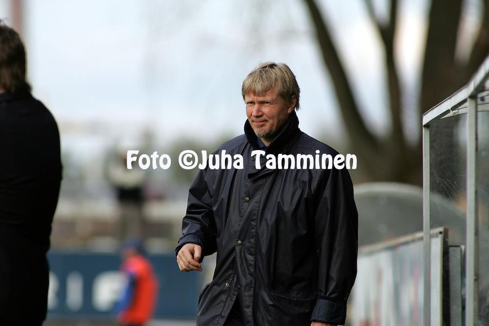 12.05.2005, Veritas Stadion, Turku, Finland..Veikkausliiga 2005 / Finnish League 2005.FC Inter Turku v IFK Mariehamn.Valmentaja Kari Virtanen - Inter.©Juha Tamminen.....ARK:k