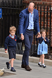 © Licensed to London News Pictures. 23/04/2018. London, UK. The DUKE OF CAMBRIDGE returns to hospital with PRINCE GEORGE  and PRINCESS CHARLOTTE as the DUCHESS OF CAMBRIDGE gave birth to a third child third at the Lindo Wing of St Mary's Hospital after . London, UK. Photo credit: Ray Tang/LNP