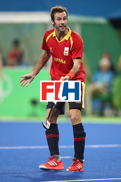 RIO DE JANEIRO, BRAZIL - AUGUST 07: David Alegre of Spain appeals to the umpire  during the men's pool A match between Australia and Spain on Day 2 of the Rio 2016 Olympic Games at the Olympic Hockey Centre on August 7, 2016 in Rio de Janeiro, Brazil.  (Photo by Mark Kolbe/Getty Images)