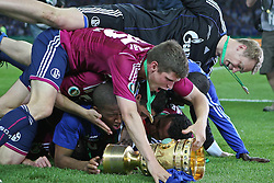 21.05.2011, Olympia Stadion, Berlin, GER, DFB Pokal Finale 2011,  MSV Duisburg vs Schalke 04, im Bild Schalke 04 feiert nach dem Spiel den Sieg mitten Keeper Keeper Manuel Neuer // during the DFB Cup final 2011 MSV Duisburg vs. Schalke 04 at the Olympic Stadium, Berlin, 21/05/2011 EXPA Pictures © 2011, PhotoCredit: EXPA/ nph/  Hammes       ****** out of GER / SWE / CRO  / BEL ******