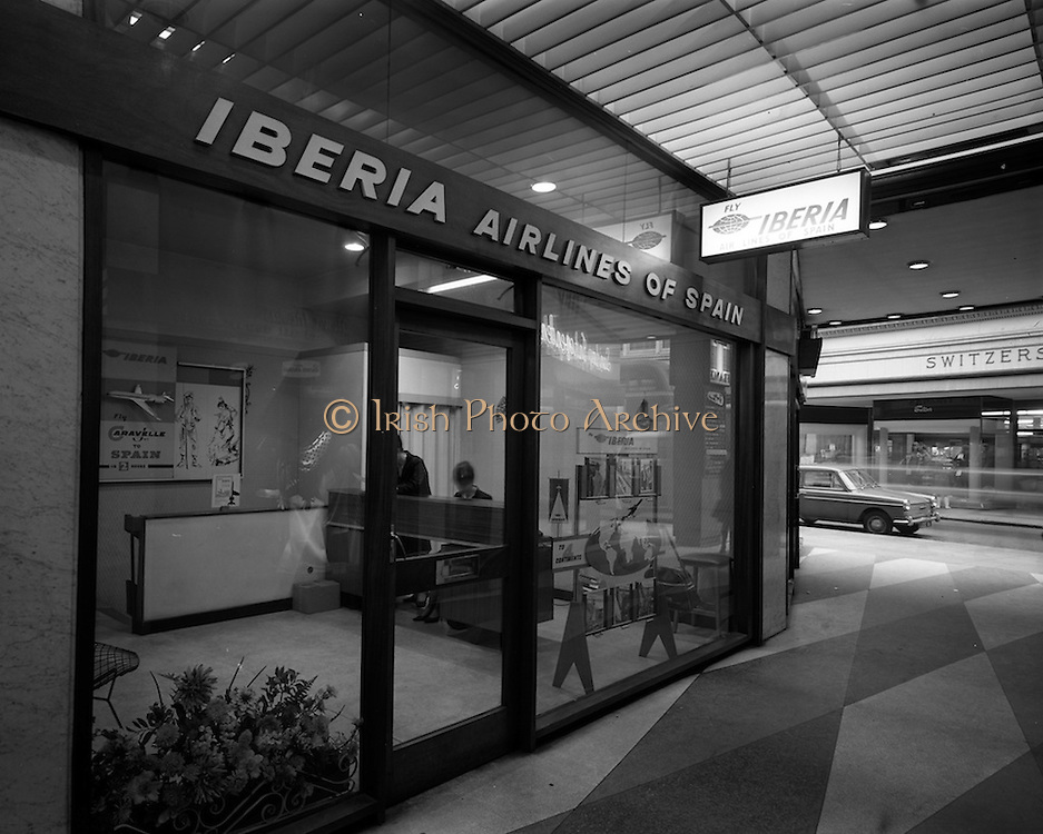 16/2/1966<br /> 2/16/1966<br /> 16 February 1966<br /> <br /> Exterior and Interior views of Iberia Airline Office in Grafton Arcade