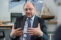 27 FEB 2017, BERLIN/GERMANY:<br /> Martin Schulz, SPD, desig. Parteivorsitzender und Kanzlerkandidat, waehrend einem Interview, in seinem Beuro, Willy-Brandt-Haus<br /> IMAGE: 20170227-01-016