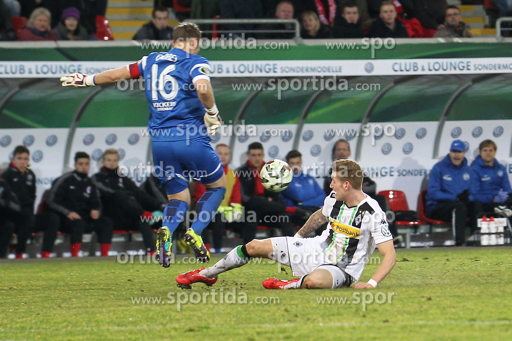 04.03.2015, Sparda Bank Hessen Stadion, Offenbach, GER, DFB Pokal, Kickers Offenbach vs Borussia Moenchengladbach, Achtelfinale, im Bild Torwart Daniel Endres (Offenbach) rettet vor Andre Hahn (Moenchengladbach) // during German DFB Pokal last sixteen match between Kickers Offenbach and Borussia Moenchengladbach at the Sparda Bank Hessen Stadion in Offenbach, Germany on 2015/03/04. EXPA Pictures &copy; 2015, PhotoCredit: EXPA/ Eibner-Pressefoto/ Roskaritz<br /> <br /> *****ATTENTION - OUT of GER*****