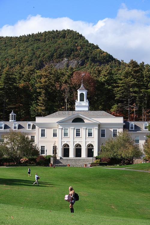 _DCN0874. Sheffield, MA, USA. ©2009 Chip Riegel / www.chipriegel.com. 10/06/2009. Berkshire School, fall 2009.