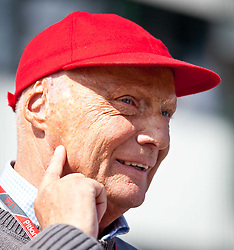 30.07.2011, Hungaroring, Budapest, HUN, F1, Grosser Preis von Ungarn, Hungaroring, im Bild Niki Lauda, ehemaliger Formel 1 Fahrer und Weltmeister mit roter Kappe ohne Sponsorlogo // during the Formula One Championships 2011 Hungarian Grand Prix held at the Hungaroring, near Budapest, Hungary, 2011-07-30, EXPA Pictures © 2011, PhotoCredit: EXPA/ J. Feichter