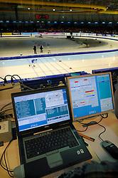 2009 SCHAATSEN: NK AFSTANDEN: HEERENVEEN<br /> Tijdregistraitie en fotofinish registratie commando center - schaats item illustratief<br /> ©2009-WWW.FOTOHOOGENDOORN.NL