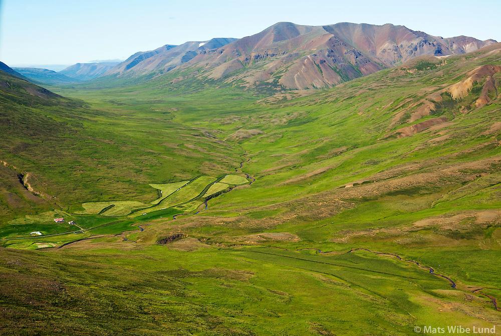 Gautsdalur fremst, eyðijarðirnar Hvammur, Mörk og Litla-Vatnsskarð, Laxárdalur séð til norðurs, Bólstaðarhlíðarhreppur /  Gautsdalur in foreground. Inb background the former farmnsites Hvammur, Mork and Litla-Vatnsskard. Laradalur valley viewing north - in foreground: Bolstadarhlidarhreppur