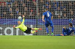 Kasper Schmeichel of Leicester City makes a save. - Mandatory by-line: Alex James/JMP - 18/10/2016 - FOOTBALL - King Power Stadium - Leicester, England - Leicester City v FC Copenhagen - UEFA Champions League