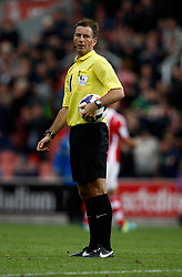 \Referee Mark Clattenburg - Photo mandatory by-line: Matt Bunn/JMP - Tel: Mobile: 07966 386802 14/09/2013 - SPORT - FOOTBALL -  Britannia Stadium - Stoke-On-Trent - Stoke City V Manchester City - Barclays Premier League
