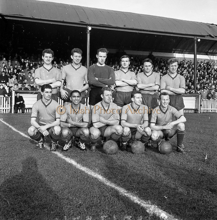 29/10/1961<br /> 10/29/1961<br /> 29 October 1961<br /> Soccer; Drumcondra v Cork Hibernians in the final round of the Shield Competition at Tolka Park, Dublin. The Drumcondra team.