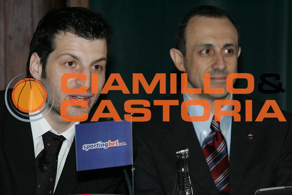 DESCRIZIONE : Praga Eurolega 2005-06 Final Four Conferenza Presentazione <br /> GIOCATORE : Papaloukas Messina <br /> SQUADRA : Cska Mosca <br /> EVENTO : Eurolega 2005-2006 Final Four Conferenza Presentazione <br /> GARA : <br /> DATA : 27/04/2006 <br /> CATEGORIA : Ritratto <br /> SPORT : Pallacanestro <br /> AUTORE : Agenzia Ciamillo-Castoria