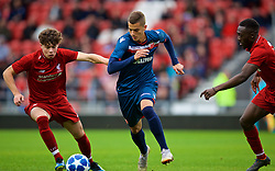 ST HELENS, ENGLAND - Wednesday, October 24, 2018: Liverpool's Neco Williams (L) and FK Crvena zvezda's Bogdan Jocic during the UEFA Youth League Group C match between Liverpool FC and FK Crvena zvezda at Langtree Park. (Pic by David Rawcliffe/Propaganda)