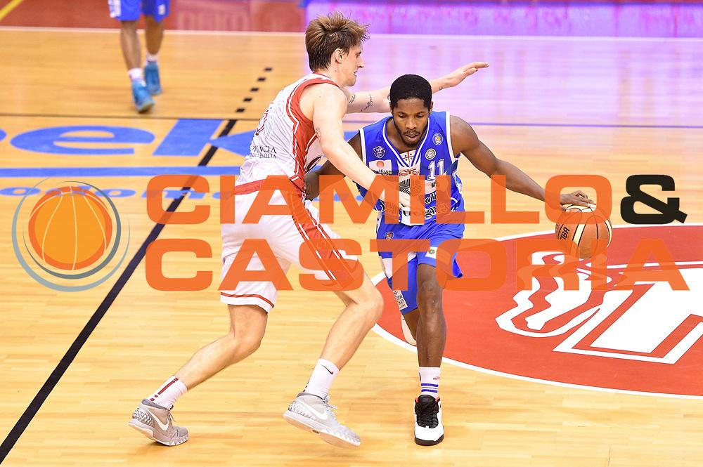 DESCRIZIONE : Campionato 2014/15 Serie A Beko Grissin Bon Reggio Emilia - Dinamo Banco di Sardegna Sassari Finale Playoff Gara7 Scudetto<br /> GIOCATORE : Jerome Dyson<br /> CATEGORIA : palleggio<br /> SQUADRA : Banco di Sardegna Sassari<br /> EVENTO : Campionato Lega A 2014-2015<br /> GARA : Grissin Bon Reggio Emilia - Dinamo Banco di Sardegna Sassari Finale Playoff Gara7 Scudetto<br /> DATA : 26/06/2015<br /> SPORT : Pallacanestro<br /> AUTORE : Agenzia Ciamillo-Castoria/GiulioCiamillo<br /> GALLERIA : Lega Basket A 2014-2015<br /> FOTONOTIZIA : Grissin Bon Reggio Emilia - Dinamo Banco di Sardegna Sassari Finale Playoff Gara7 Scudetto<br /> PREDEFINITA :