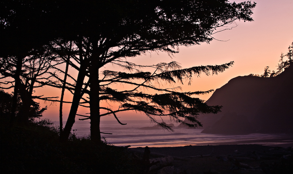Sunset over the ocean from Ecola State Park in Seaside, Oregon.