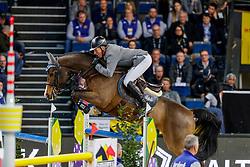 BEERBAUM Ludger (GER), Cool Feeling<br /> Stuttgart - German Masters 2019<br /> LONGINES FEI Jumping World Cup™ 2019/2020<br /> Großer Preis von Stuttgart mit Mercedes-Benz, WALTER solar und BW-Bank<br /> Int. Springprüfung mit Stechen - CSI5*-W<br /> Qualifikation zum Weltcup Finale<br /> 17. November 2019<br /> © www.sportfotos-lafrentz.de/Stefan Lafrentz