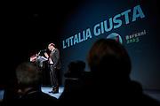 Pier Luigi Bersani  apre la campagna elettorale del Pd  presentando i giovani al Teatro Ambra Jovinelli, 17 gennaio 2013. OneShot /  Christian Mantuano