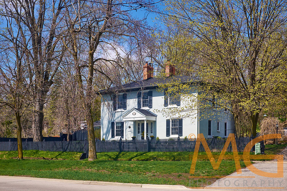 This was the home of the Smith Family who founded the Lake Simcoe Motel which was located on the West Side of their home. Originally home to Frederick Gore, Headmaster at The Barrie Grammar School.