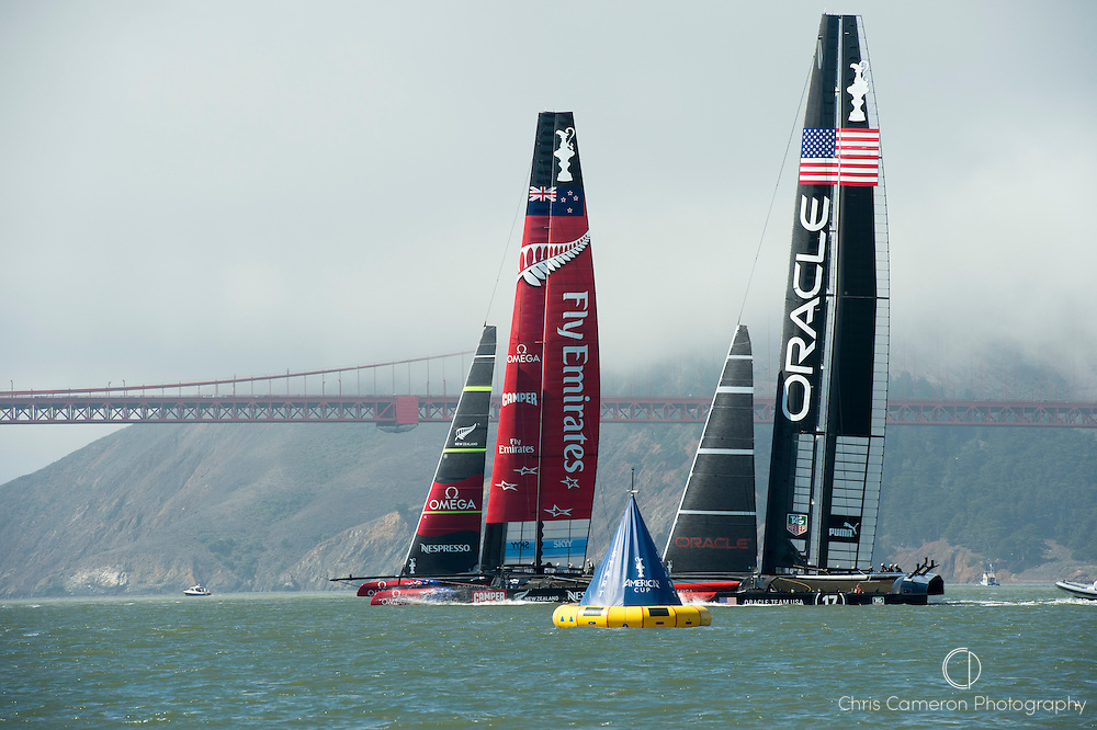 Emirates Team New Zealand and Oracle Team USA start race 14 on day 12 of America's Cup 34. 22/9/2013