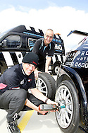 HiQ Easy Tyre helping Team Dynamics keep on the track at rockingham. Fitter, Russ hickford, with Driver Paul O'Neill, in the hat.