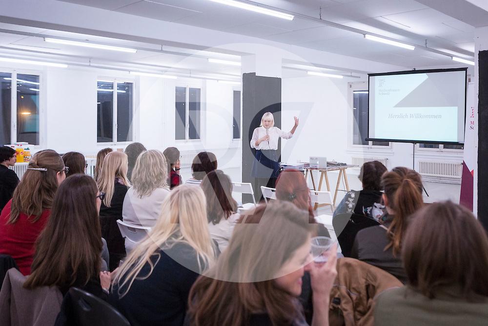 SCHWEIZ - ZÜRICH - Luzia Tschirky spricht beim Launching Event von Medienfrauen Schweiz - 26. März 2015 © Raphael Huenerfauth - http://huenerfauth.ch