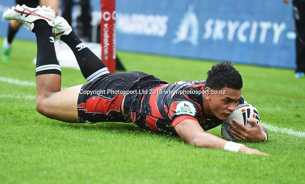 Ken Maumalo scores a try during the Vodafone Warriors v  Newcastle Knights match. VB NSW Cup Rugby League. Mt Smart Stadium, Auckland. New Zealand. Sunday 31 May 2015. Copyright Photo: Andrew Cornaga/www.Photosport.co.nz