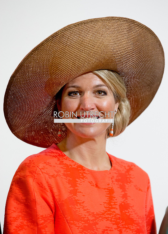 21-4-2016 MIDDELBURG - King Willem-Alexander, Her Majesty Queen Maxima and Prime Minister Mark Rutte on Thursday, April 21, 2016 at the presentation of the Franklin D. Roosevelt Four Freedoms Awards in the Nieuwe Kerk in Middelburg. Also, Her Royal Highness Princess Beatrix of the Netherlands is present at the ceremony. The Prime Minister presented the International Four Freedoms Award to dr. Angela Merkel. COPYRIGHT ROBIN UTRECHT<br /> 21-4-2016 MIDDELBURG - Koning Willem-Alexander, Hare Majesteit Koningin Maxima en minister-president Mark Rutte zijn op donderdag 21 april 2016 aanwezig bij de uitreiking van de Franklin D. Roosevelt Four Freedoms Awards in de Nieuwe Kerk in Middelburg. Ook Hare Koninklijke Hoogheid Prinses Beatrix der Nederlanden is bij de uitreiking aanwezig. De minister-president reikt de International Four Freedoms Award uit aan dr. Angela Merkel. COPYRIGHT ROBIN UTRECHT