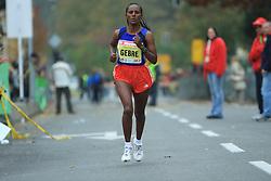 Tretjeuvrscena Zebenay Gebre  (ETH) v cilju na 13. Ljubljanskem maratonu po ulicah Ljubljane, 26. oktobra 2008, Ljubljana, Slovenija. (Photo by Vid Ponikvar / Sportal Images)./ Sportida)