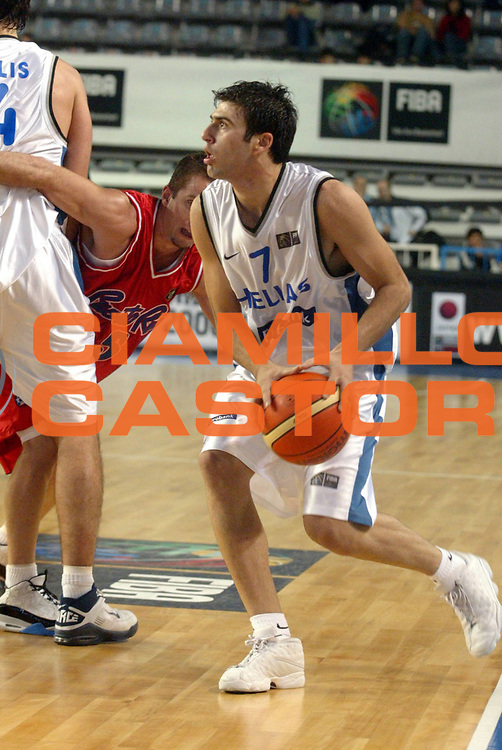 DESCRIZIONE : MAR DEL PLATA FIBA UNDER 21 WORLD CHAMPIONSHIP FOR MEN CAMPIONATO DEL MONDO UNDER 21 MASCHILE<br />GIOCATORE : VASILEIADIS<br />SQUADRA : GRECIA<br />EVENTO : UNDER 21 WORLD CHAMPIONSHIP FOR MAN CAMPIONATO DEL MONDO UNDER 21 MASCHILE<br />GARA : PUERTO RICO-GRECIA<br />DATA : 12/08/2005<br />CATEGORIA : Palleggio<br />SPORT : Pallacanestro<br />AUTORE : AGENZIA CIAMILLO &amp; CASTORIA/M.Ciamillo