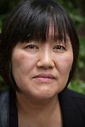 Mieko Kogawa mamma till Kazunori Kogawa som genom överdriven övertidsarbete och trakasserier av chefen drevs till självmord på restaurangen han jobbade. Tokyo, Japan