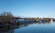 Henley, Oxfordshire. England General View; Henley Town,  New Street, Riverside, Oxfordshire  side of Henley Bridge. Thursday  01/12/2016<br /> © Peter SPURRIER<br /> LEICA CAMERA AG  LEICA Q (Typ 116)  f1.7  1/4000sec  35mm  8.1MB