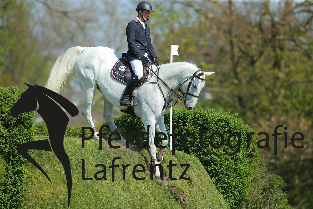 Hamburg - Hamburger Derby 2016<br /> Peters, Jan (GER) Kokolores<br /> &copy; Stefan Lafrentz