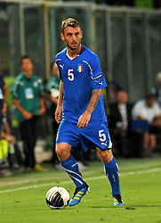 06.09.2011, Stadio Artemio Franchi, Florenz, ITA, UEFA EURO 2012, Qualifikation, Italien vs Slovenien, im Bild Daniele DE ROSSI (Italia).. // during the UEFA Euro 2012 Qualifier Game, Italy vs Slovenia, at Stadio Artemio Franchi Florence Italy on 2011-09-06. EXPA Pictures © 2011, PhotoCredit: EXPA/ InsideFoto/ Alessandro Sabattini +++++ ATTENTION - FOR AUSTRIA/(AUT), SLOVENIA/(SLO), SERBIA/(SRB), CROATIA/(CRO), SWISS/(SUI) and SWEDEN/(SWE) CLIENT ONLY +++++