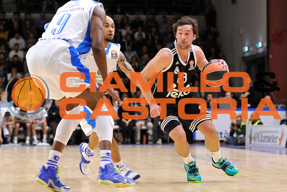 DESCRIZIONE : Eurolega Euroleague 2014/15 Gir.A Dinamo Banco di Sardegna Sassari - Real Madrid<br /> GIOCATORE : Sergio Llull<br /> CATEGORIA : Palleggio<br /> SQUADRA : Real Madrid<br /> EVENTO : Eurolega Euroleague 2014/2015<br /> GARA : Dinamo Banco di Sardegna Sassari - Real Madrid<br /> DATA : 12/12/2014<br /> SPORT : Pallacanestro <br /> AUTORE : Agenzia Ciamillo-Castoria / Claudio Atzori<br /> Galleria : Eurolega Euroleague 2014/2015<br /> Fotonotizia : Eurolega Euroleague 2014/15 Gir.A Dinamo Banco di Sardegna Sassari - Real Madrid<br /> Predefinita :