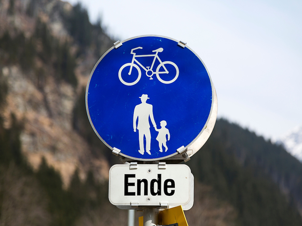 End of Bicycle Lane