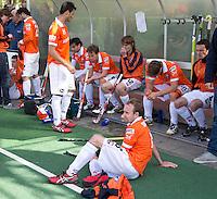 BLOEMENDAAL - HOCKEY - Telurstelling bij Matthew Swann nade play offs hoofdklasse hockeywedstrijd tussen de mannen van Bloemendaal en Rotterdam (1-4) . Rotterdam door naar de finale. FOTO KOEN SUYK