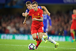LONDON, ENGLAND - Friday, September 16, 2016: Liverpool's Philippe Coutinho Correia in action against Chelsea's Oscar dos Santos Emboaba Junior during the FA Premier League match at Stamford Bridge. (Pic by David Rawcliffe/Propaganda)