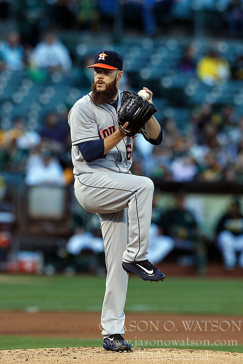 OAKLAND, CA - JULY 19:  Dallas Keuchel #60 of the Houston Astros pitches against the Oakland Athletics during the first inning at the Oakland Coliseum on July 19, 2016 in Oakland, California. The Oakland Athletics defeated the Houston Astros 4-3 in 10 innings.  (Photo by Jason O. Watson/Getty Images) *** Local Caption *** Dallas Keuchel